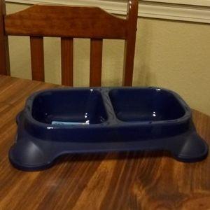 Customizable 2 section pet food bowl